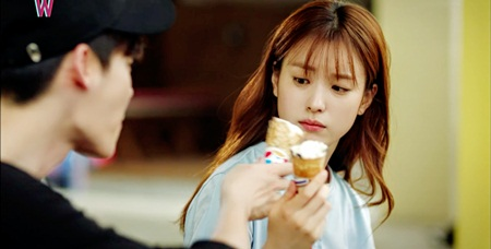 """W - Hai thế giới"" tập 11: Lee Jong Suk sắp bị biến mất - Ảnh 13"