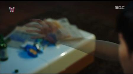 """W - Hai thế giới"" tập 11: Lee Jong Suk sắp bị biến mất - Ảnh 9"