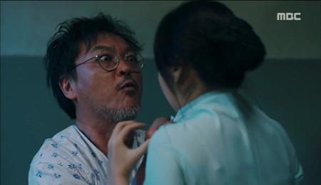 """""""Hai thế giới"""" tập 15: Bị tuyên án tử, Lee Jong Suk tẩu thoát ngoạn mục - Ảnh 7"""