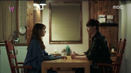 """""""Hai thế giới"""" tập 15: Bị tuyên án tử, Lee Jong Suk tẩu thoát ngoạn mục - Ảnh 5"""