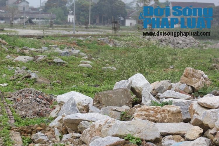 Nghệ An: Dự án trọng điểm phố núi 6 năm lát xong gạch vỉa hè - Ảnh 6