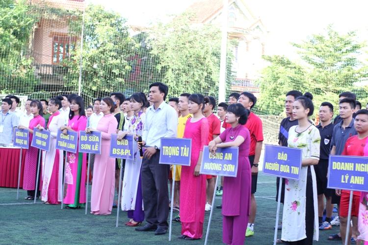 Cup Việt Nam Xanh: Đưa bóng đá phủi chuyên nghiệp về phố núi - Ảnh 1