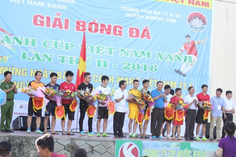 Cup Việt Nam Xanh: Đưa bóng đá phủi chuyên nghiệp về phố núi - Ảnh 3