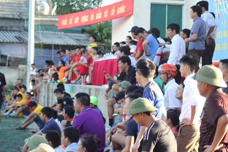 Cup Việt Nam Xanh: Đưa bóng đá phủi chuyên nghiệp về phố núi - Ảnh 4
