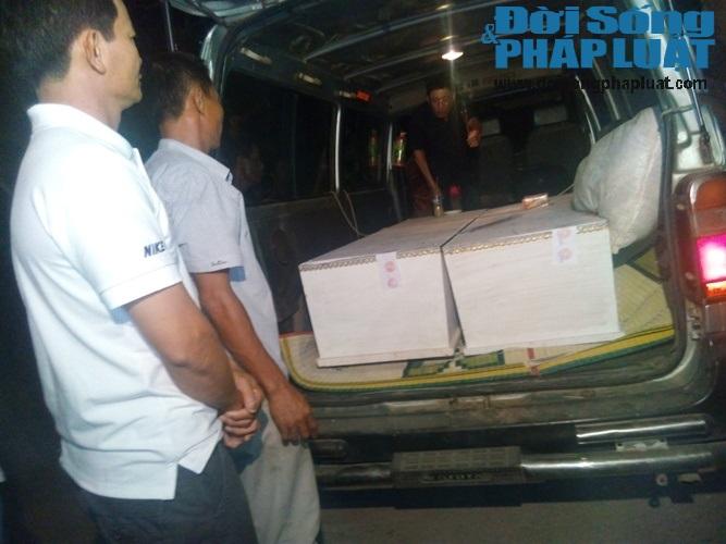 Trắng đêm chờ đón thi thể các nạn nhân trong vụ nổ xe kinh hoàng - Ảnh 4
