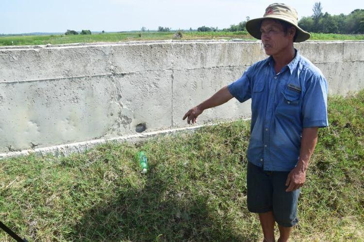 """Trạm bơm thủy lợi tiền tỷ xây xong """"đắp chiếu"""", đồng ruộng khát nước - Ảnh 5"""