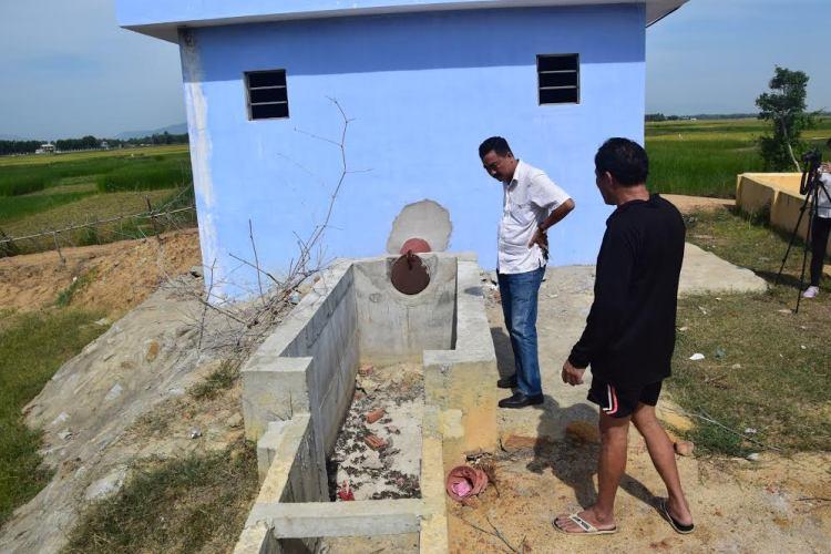 """Trạm bơm thủy lợi tiền tỷ xây xong """"đắp chiếu"""", đồng ruộng khát nước - Ảnh 2"""