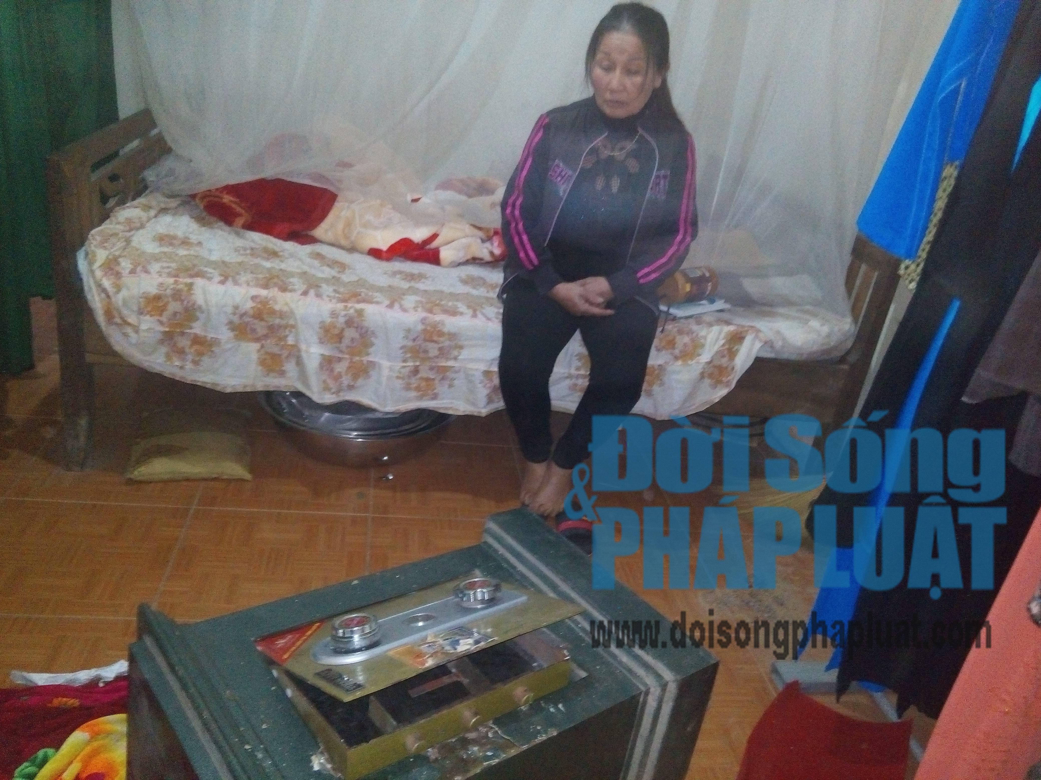 Hà Tĩnh: Lão nông trình báo bị trộm phá két lấy nhiều vàng - Ảnh 2
