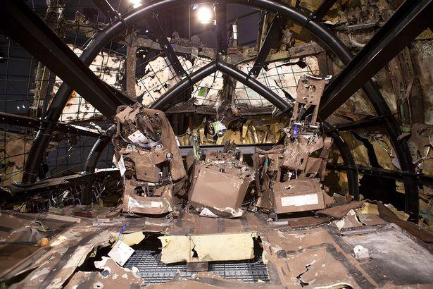 Hành khách máy bay MH17 vẫn sống sót khoảng 90 giây sau vụ nổ - Ảnh 5