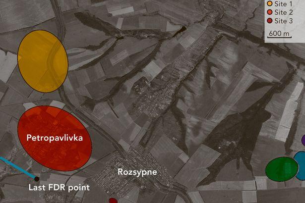 Hành khách máy bay MH17 vẫn sống sót khoảng 90 giây sau vụ nổ - Ảnh 13