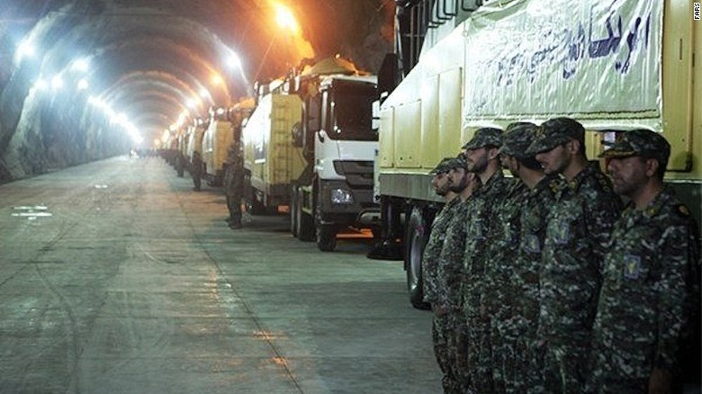 Những hình ảnh hiếm hoi về căn cứ tên lửa ngầm của Iran - Ảnh 1
