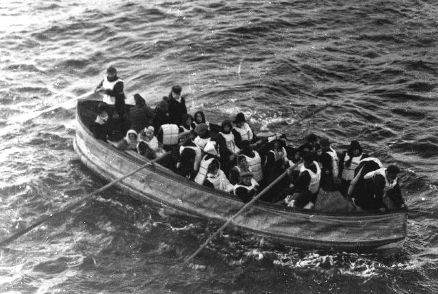 Chiếc bánh quy cuối cùng sót lại trên tàu Titanic trị giá hơn 500 triệu - Ảnh 2