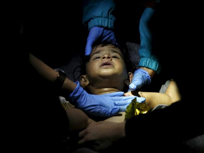 Hy Lạp: Nhiều trẻ em tiếp tục chết đuối do chìm thuyền di cư  - Ảnh 3