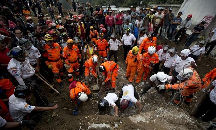 Ít nhất 30 người thiệt mạng, 600 mất tích sau vụ lở đất lớn ở Guatemala - Ảnh 2