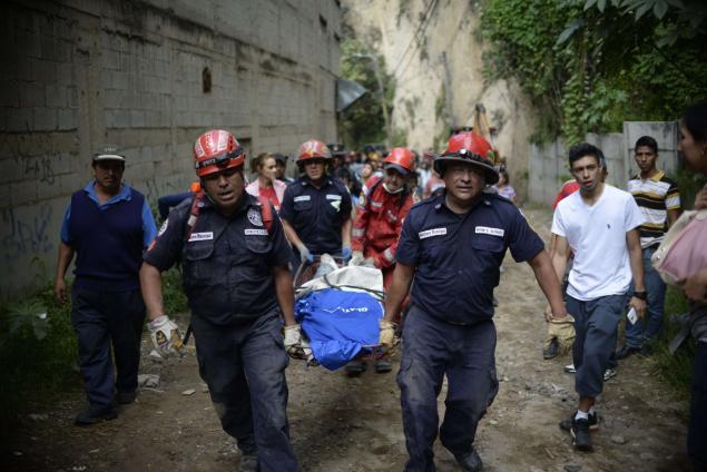 Ít nhất 30 người thiệt mạng, 600 mất tích sau vụ lở đất lớn ở Guatemala - Ảnh 3