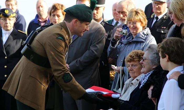Người lính Anh được chôn cất sau 100 năm tử trận - Ảnh 3
