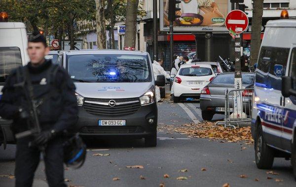Vụ khủng bố Paris: Bắt giam bố và anh trai của một nghi phạm - Ảnh 1