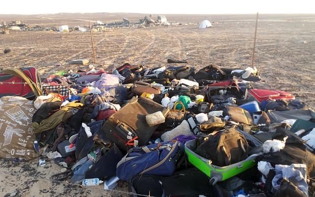 Chuyên gia Nga: Chiếc máy bay xấu số chở 224 người vỡ trước khi rơi  - Ảnh 2