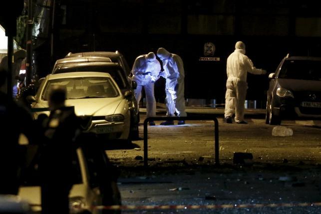 Đánh bom rung chuyển giữa trung tâm thủ đô Athens, Hy Lạp - Ảnh 1