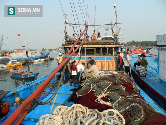 Tàu hải cảnh Trung Quốc cướp phá tàu Việt Nam: Vô nhân đạo, hành xử kiểu kẻ cướp - Ảnh 1