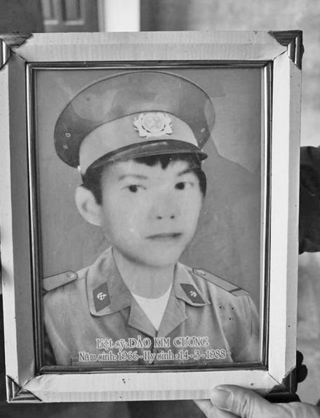 Mẹ liệt sỹ Gạc Ma bên những ký ức còn sót lại của con trai - Ảnh 2