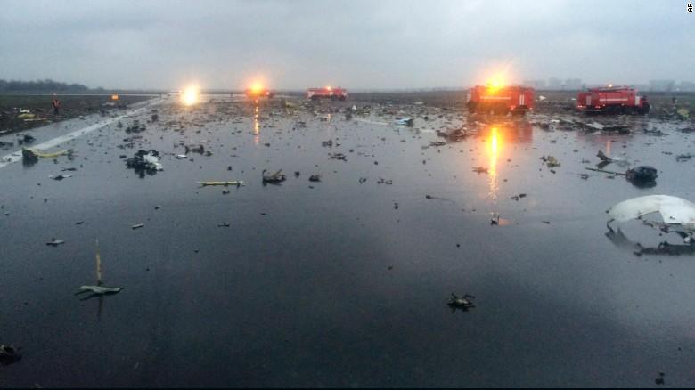 Vụ máy Nga rơi khiến 62 người thiệt mạng: Do phi công hay lỗi kỹ thuật? - Ảnh 1