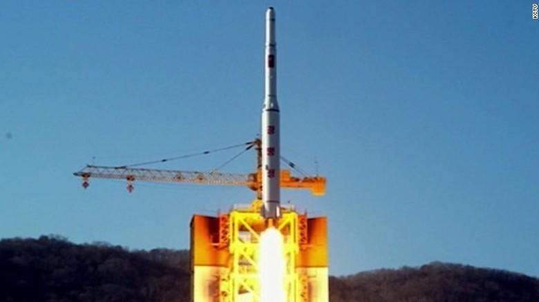 CNN: Triều Tiên bị nghi sắp phóng tên lửa vươn được đến Mỹ - Ảnh 1