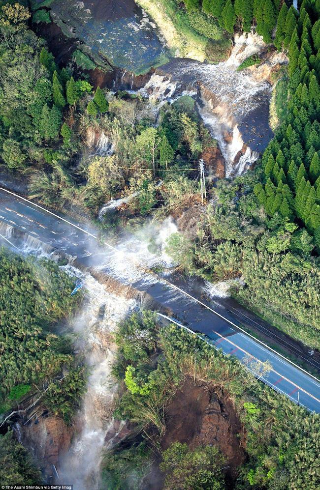 Động đất tại Nhật Bản: Số người thiệt mạng lên đến 41 - Ảnh 3