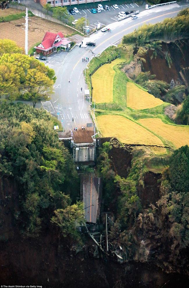 Động đất tại Nhật Bản: Số người thiệt mạng lên đến 41 - Ảnh 2