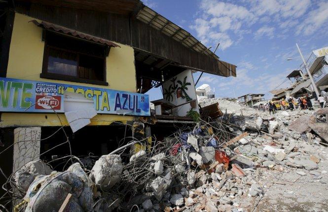 Việc khắc phục hậu quả động đất Ecuador gặp nhiều khó khăn - Ảnh 1