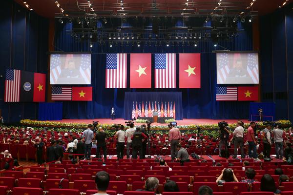 Ông Obama: Chính người Việt Nam quyết định vận mệnh và tương lai của mình - Ảnh 7
