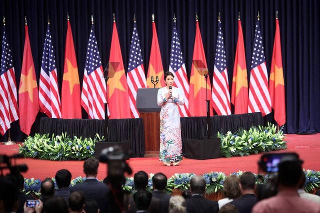 Ông Obama: Chính người Việt Nam quyết định vận mệnh và tương lai của mình - Ảnh 9