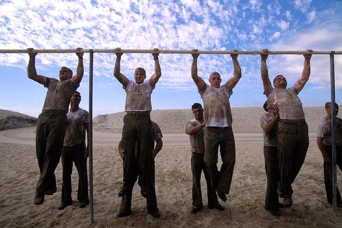 Tân binh Seal tự sát do chương trình huấn luyện - Ảnh 3