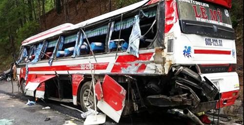 Hiện trường tai nạn trên đèo Prenn khiến 8 người tử vong - Ảnh 7