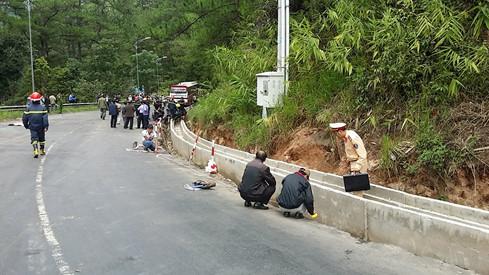 Hiện trường tai nạn trên đèo Prenn khiến 8 người tử vong - Ảnh 5