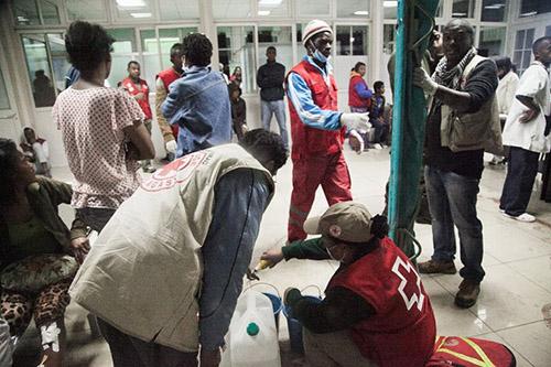 Khủng bố sân vận động Madagascar, hơn 80 người thương vong - Ảnh 1