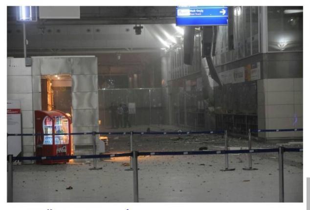 Đánh bom liều chết sân bay Thổ Nhĩ Kỳ, gần 50 người thiệt mạng - Ảnh 2