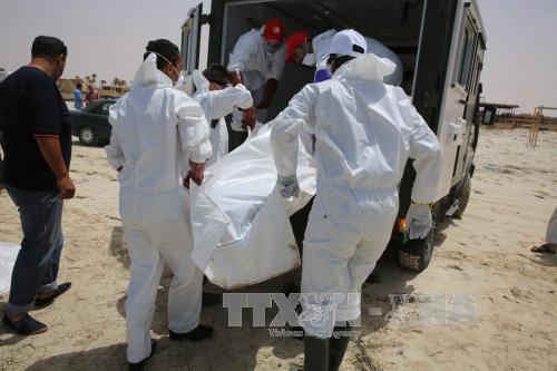 Phát hiện hơn 130 thi thể người di cư trên biển - Ảnh 1