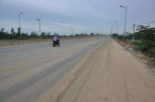 Bê tông cốt xốp ở cầu vượt đường sắt Hà Nội - Ảnh 1