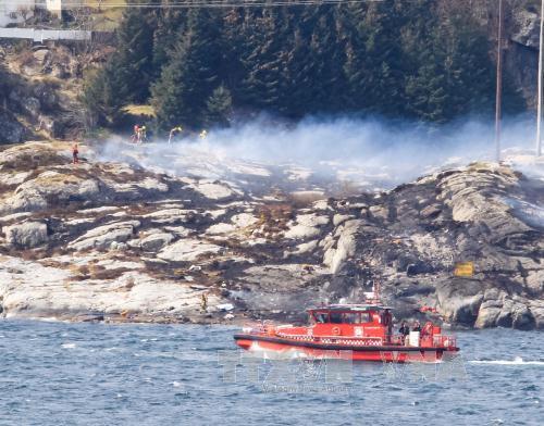 Tìm thấy thi thể 11 người trong vụ rơi máy bay tại Na Uy - Ảnh 1