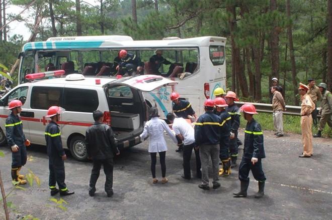 Vụ tai nạn trên đèo Prenn: Có thể do xe khách mất phanh - Ảnh 1