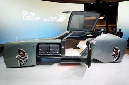 Ra mắt mẫu xe Rolls-Royce 103EX tự lái hạng sang - Ảnh 2