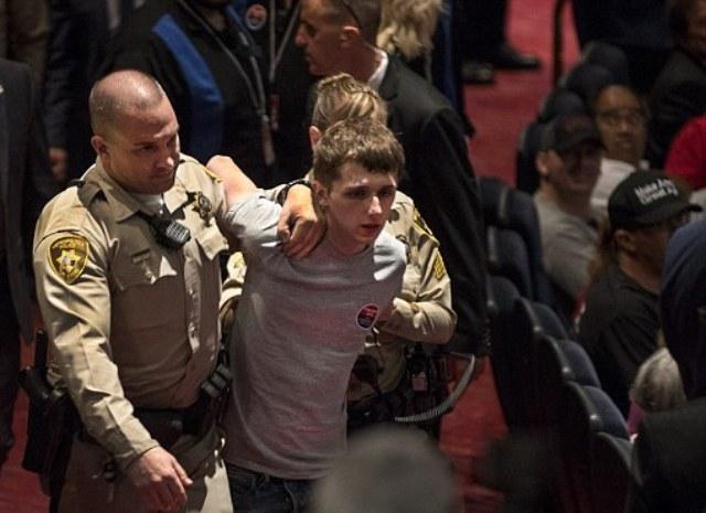 Công dân Anh âm mưu cướp súng của cảnh sát để ám sát Donald Trump - Ảnh 1