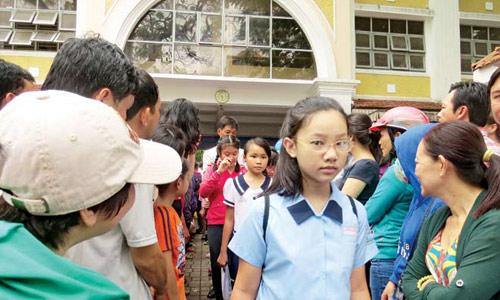 Hà Nội tuyển sinh trực tuyến vào lớp 6: Mạng nghẽn vì quá tải - Ảnh 1