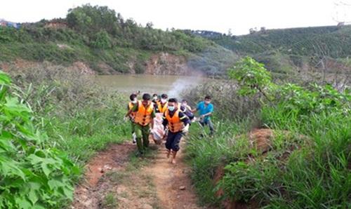 Thấy thi thể cuối cùng trong vụ lật xuồng trên hồ Đại Ninh - Ảnh 1