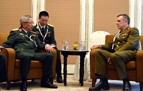 Hoạt động của tướng Nguyễn Chí Vịnh tại Đối thoại Shangri-La lần thứ 15 - Ảnh 6