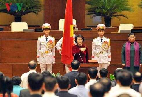 Chính thức ra mắt bộ máy lãnh đạo cao nhất của Quốc hội khóa XIV - Ảnh 2