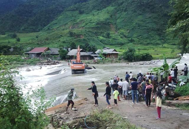 Sập hầm vàng ở Lào Cai: 9 người đã chết, số nạn nhân tăng từng giờ - Ảnh 1