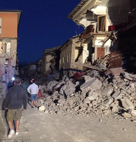 Italy tan hoang sau trận động đất, 21 người thiệt mạng - Ảnh 1
