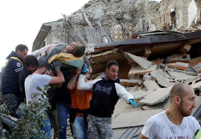Italy tan hoang sau trận động đất, 21 người thiệt mạng - Ảnh 3